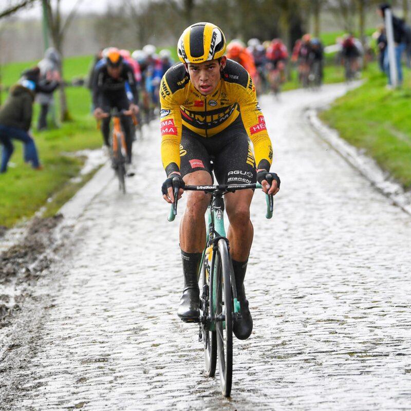 Team Jumbo-Visma houdt Roglic uit problemen in tiende rit Giro