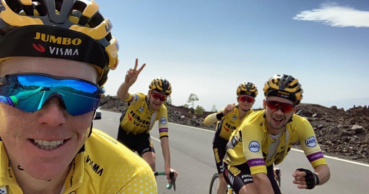 © Roglic na zijn overwinning in de tijdrit van de Giro in 2016