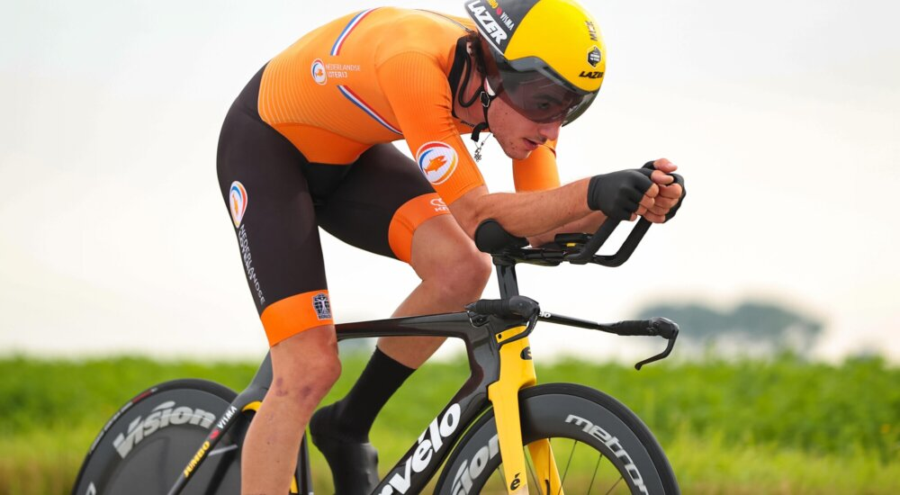 No problems for leader Roglic in Giro's third stage